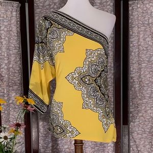 Cache yellow one-shoulder top.